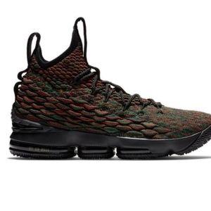 Nike LeBron 15 Youth Boys